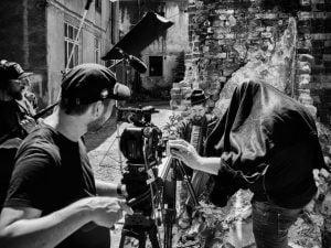 Filmowy Armagedon – czyli poradnik dla fotografa pracującego naplanie filmowym